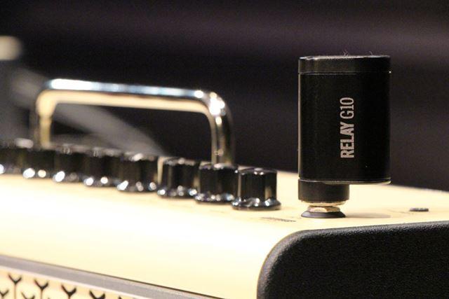 LINE6「RELAY G10T」は、THR-II本体に挿し込むだけでTHR-IIとペアリングでき、充電も行える