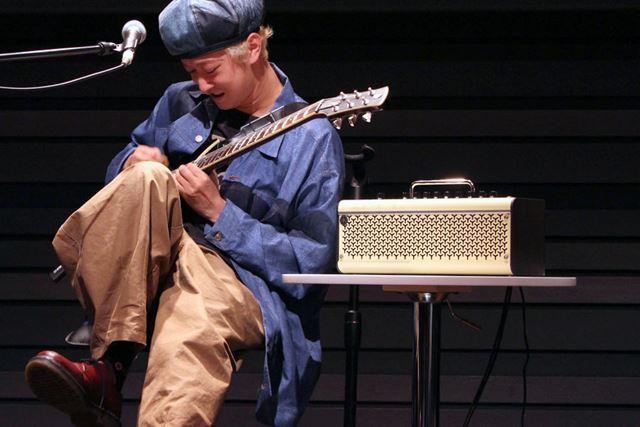 記事の後半では、プロのギタリストたちによるTHR-IIの演奏動画もご紹介! 熱いプレイをお見逃しなく