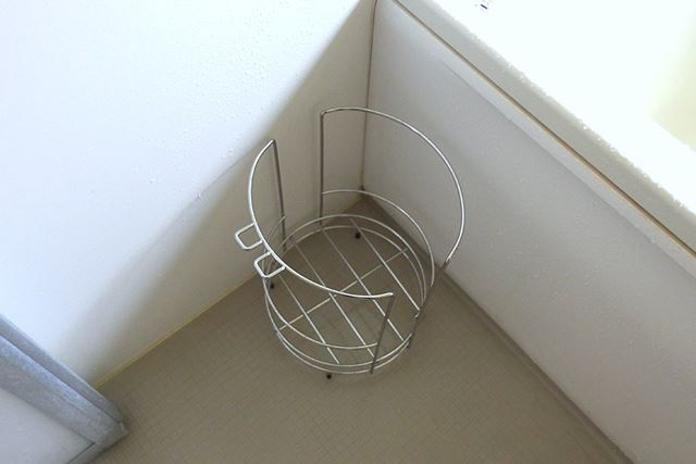 その点、スタンドのほうは床から浮かせて立てておくため、水切れはバッチリ!