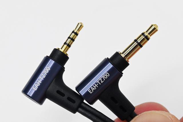 標準で3.5mmアンバランスと2.5mm4極バランスの2種類のケーブルが付属する