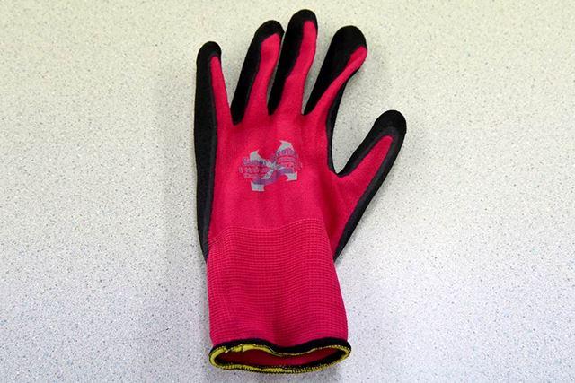 人気のコーティング手袋「ソフキャッチEXフィット 天然ゴム  クレーターパーム」
