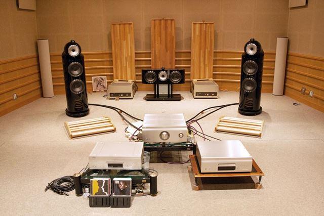 デノンの試聴室にて。B&W「802D3」と組み合わせてドライブしたとき、あまりのサウンドに衝撃を受けた