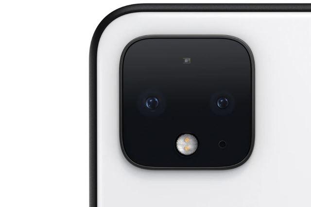 カメラ部は「iPhone 11」のようなスクウェア型