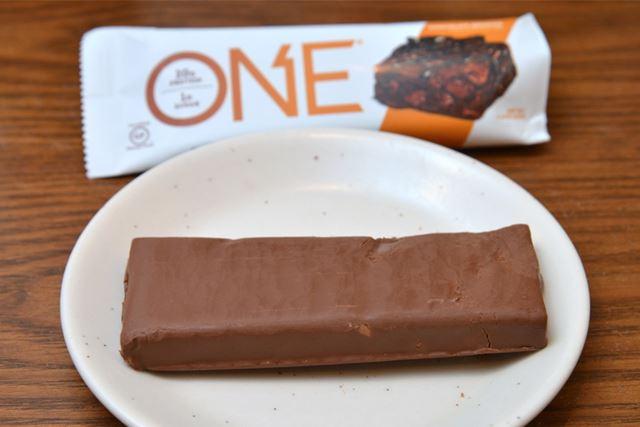 チョコレートでコーティングされた、ねっとりやわらかい食感