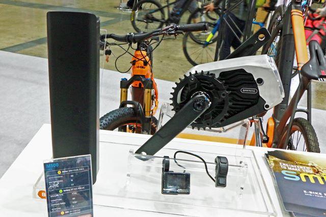 エントリーグレードとなるアシストユニット「M500」も「M800」同様にセンタータイプとなる
