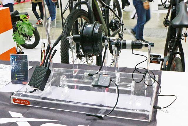 「M800」や「M500」とは異なり、「H400」ユニットはホイール軸(ハブ)の部分に組み込むタイプとなる