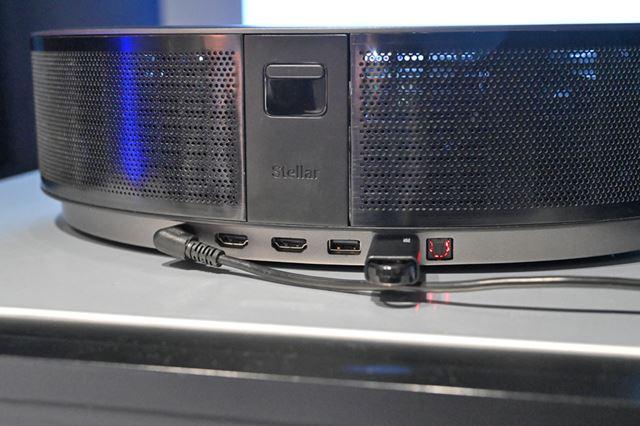 本体背面にはHDMI入力×2、USB Aポート×2なども用意されている