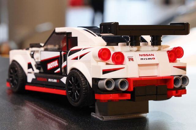 丸目4灯テールランプなどにこだわって制作された「NISSAN GT-R NISMO」のレゴ