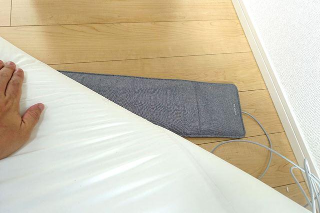 睡眠状態を調べるのには「スマート睡眠パッド」を使用します