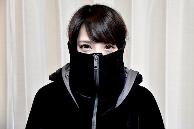 マスクモード。耳のあたりまで収まります