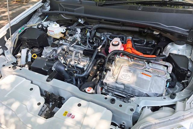 1,496ccのエンジンにハイブリッドを組み合わせ、燃費はJC08モードで27.8km/Lを実現