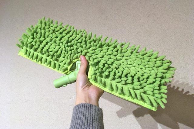 こちらが床掃除用のヘッド。大きさが伝わるでしょうか?