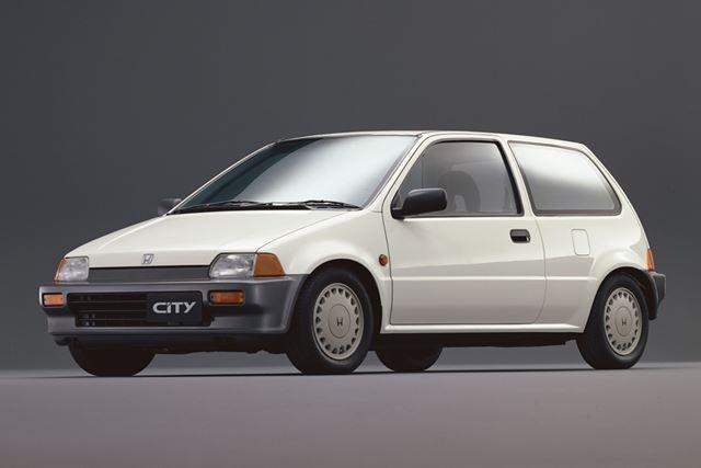 1986年に初めてフルモデルチェンジされたホンダ「シティ」(2代目)