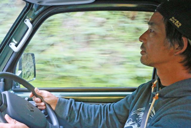 運転する際の乗り心地はトラックではない軽自動車っぽい! と、軽トラとは違う感覚を実感