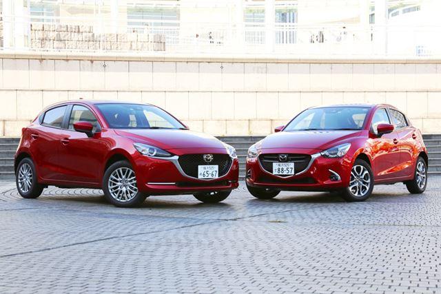 マツダ 新型「MAZDA2」(左)と先代モデルの「デミオ」(右)