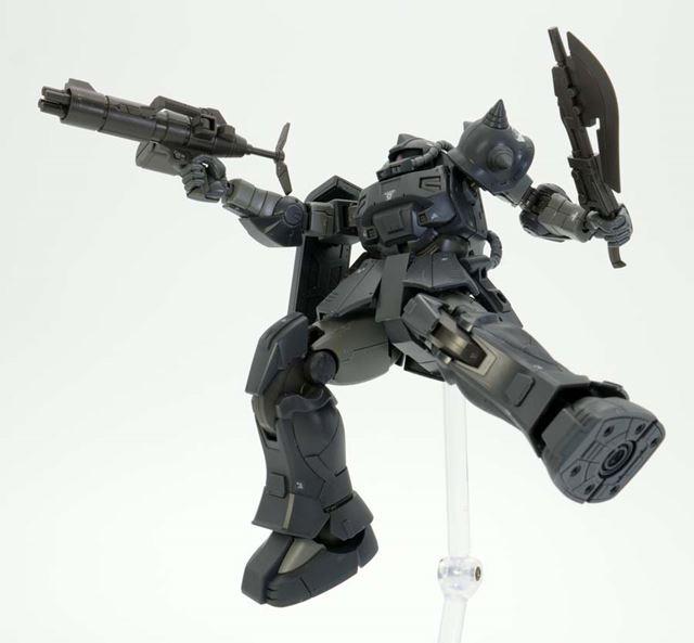 4連装マシンガンで攻撃。武器の保持力が高く、よく動きます