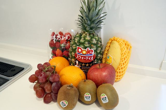 スーパーでフルーツ数種類を調達