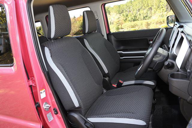 新型「ハスラー」のフロントシート