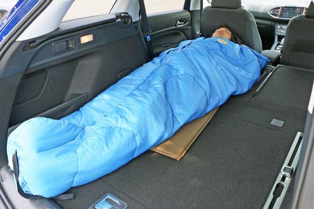 試しに横になった時に感じたとおり、フラットなので寝ている最中の体への負担が少ない印象