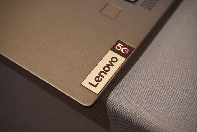 パームレストに輝く5Gのロゴ。なお、eSIMもサポート予定とのこと