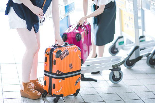 ecbo cloakでは、預け先によってはスーツケースも預かることができる