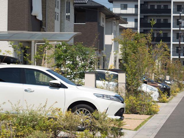 駐車場シェアのサービスでは、個人宅の駐車場が登録されていることも