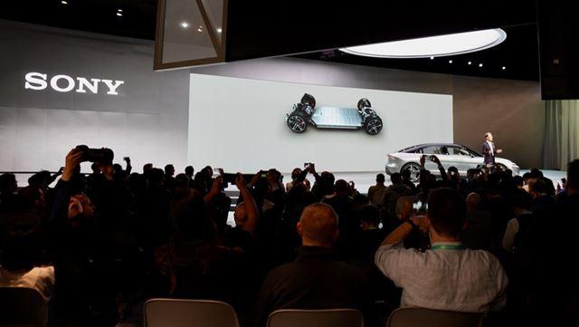 発表会で自動車が登場した時の会場のざわめきは、「CES 2020」でも1、2を争うほどの大きさでした