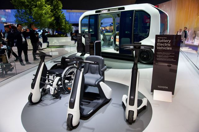 部品を共通化して、異なる車種にも対応させるというトヨタらしいデザイン
