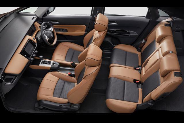 ホンダ 新型「フィット」の最上級グレード「LUXE」なら、コンパクトカーの域を超えた上質な内装が手に入る