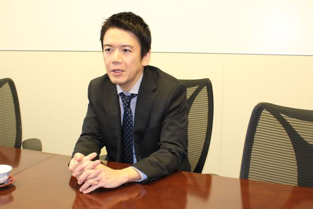 Jコインペイの特徴を話す、みずほ銀行デジタルイノベーション部次長の齋藤さん