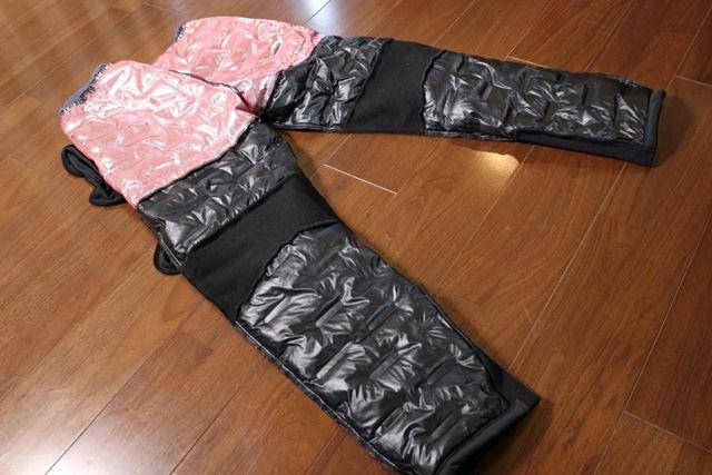 AERO STRETCH ULTIMATE パンツは、下腹部とお尻を包むように腰まわりにアルミプリントを装備