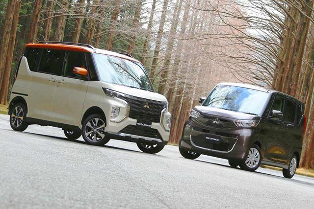 三菱 新型「eKクロススペース」(左)と新型「eKスペース」(右)
