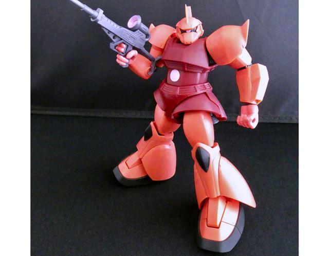 モデルになってもらうのは「ROBOT魂 ver. A.N.I.M.E.」シリーズの「シャア専用ゲルググ」
