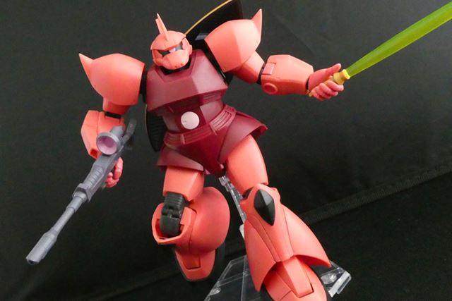 「ROBOT魂 ver. A.N.I.M.E.」版は、可動の優秀さ、付属武器、エフェクトの豊富さが魅力