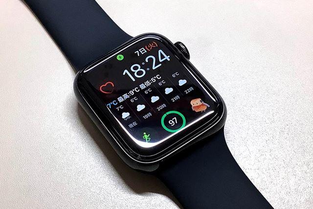 テストに使用したのは、44mmステンレススチールケースの「Apple Watch Series 5」(GPS+Cellularモデル)