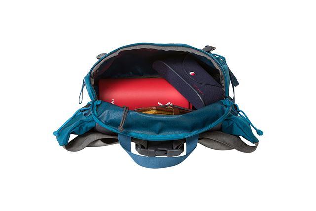 携帯したい荷物がしっかりと入り、開口部が大きいから入れやすく取り出しやすい