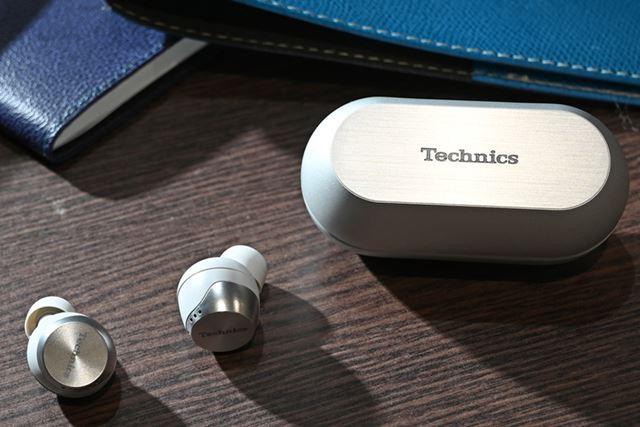 Technicsブランドから登場する「EAH-AZ70W」