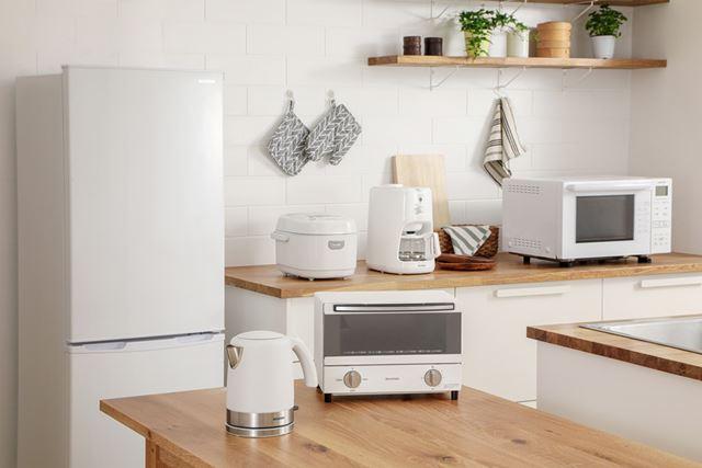 キッチンに設置してみると、インテリアと調和してなかなかいい雰囲気