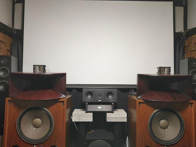 野村ケンジ 6畳間「ミニマムシアター」の4K HDR & Dolby Atmos化計画
