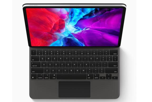 新しいMagic Keyboardを装着すると見た目はMacBookのよう