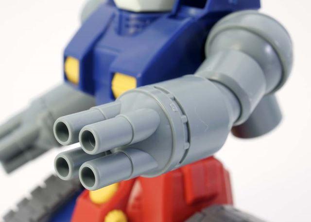 40mm4連装ボップミサイルランチャーの銃口は開口されています