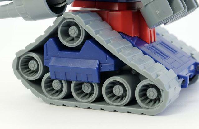 履帯や転輪の形も抜かりなし。プラ材質でできているため、塗装もしやすいです