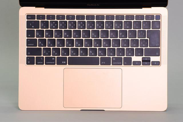 シザー方式に変わったMagic Keyboard