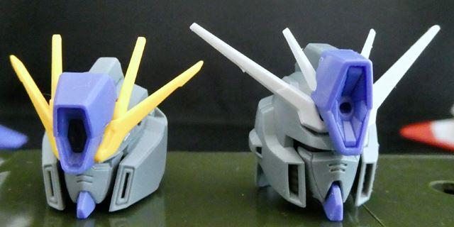 余剰パーツで「FAZZ」カラーの「ZZガンダム」の頭部も組み立てることができます