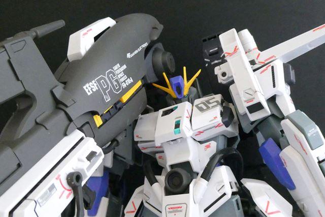 砲台の大きさで、頭部の右側のアンテナが干渉する場合もあり、首の向きも調整が必要ですね