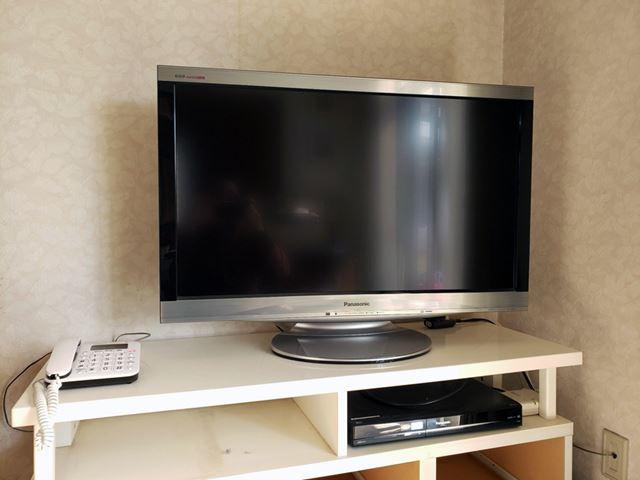 実家に設置していたテレビは、地デジ移行ブームの時期に買ったパナソニックの「TH-L37V1」(2009年モデル)