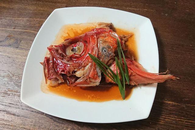 鍋よりもひっくり返すなどの調理がしやすいので、崩れやすい金目鯛の兜煮もキレイに仕上がりました