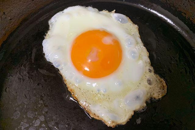 レシピ通りに作っているところ、卵がくっつかずフライパンの上をスルスルと滑ります