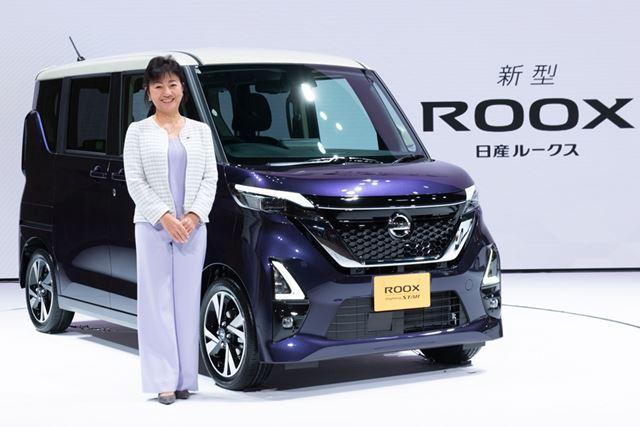 2020年3月19日に発売された、日産「ルークス」。写真の女性は、日産 執行役副社長の星野朝子氏