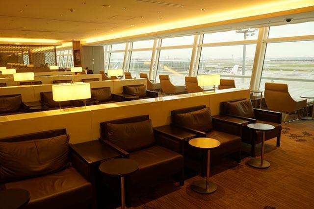 「楽天プレミアムカード」は、世界各地の空港ラウンジが利用できるプライオリティ・パスに無料で登録可能